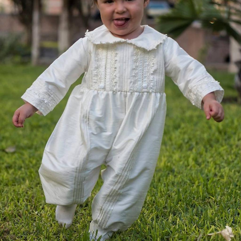 1e23f53564b38 Robe de baptême traditionnelle garçon soie sauvage