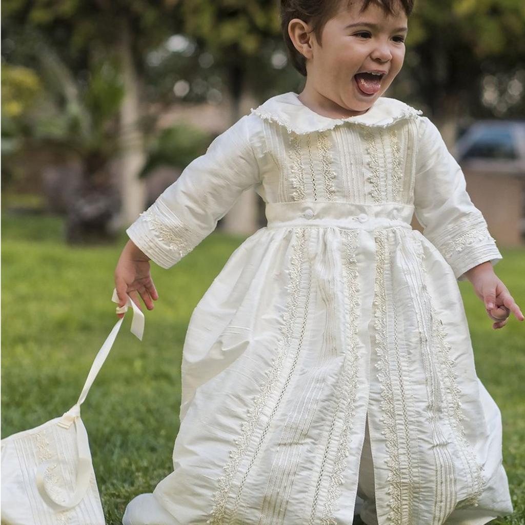 43fb1e942687f Robe de baptême traditionnelle garçon en soie